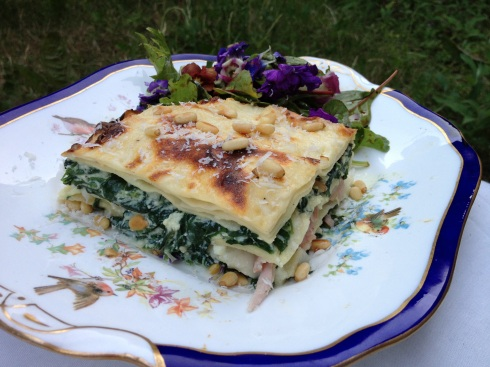 Delicious Cheesy Bacon and Spinach Lasagne