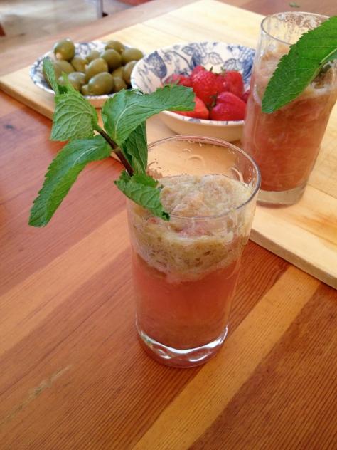 Delicious Rhubarb Lemonade
