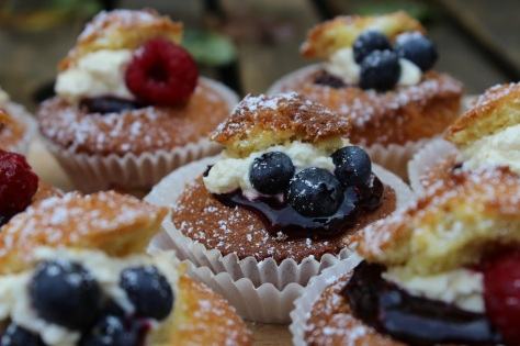 Delicious Mixed Berry and Cream Fairy Cakes