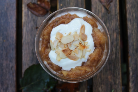 Delicious Spiced Stewed Apple and Yoghurt