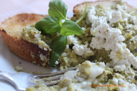 Delicious Goats Cheese and Pesto Scrambled Eggs
