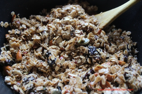 Mix All Granola Bar Ingredients Together